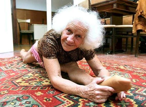 фото бабушки нудистки